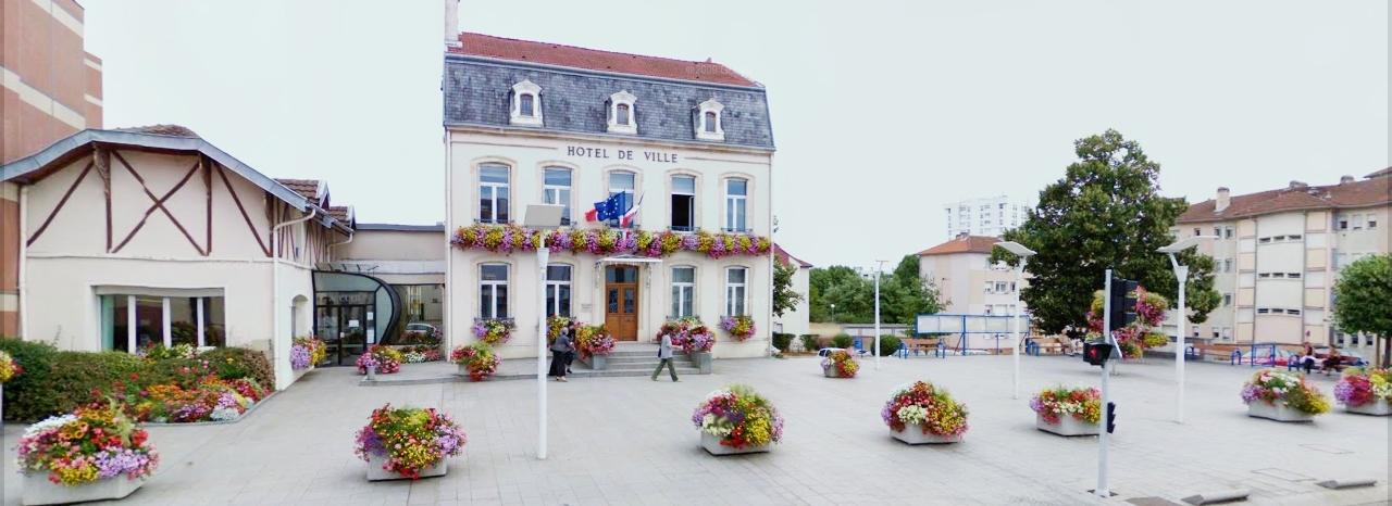 mairie_et_parvis2