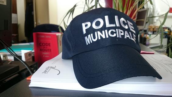 police casquette