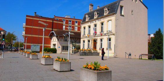 mairie parvis